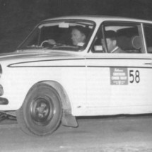 1966 SCR [Winners] Car#58 Harry Firth, Graham Hoinville - Ford Cortina GT
