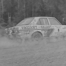 1971 SCR Doug Stewart, Brian Hope - Valiant Chrysler Galant (1)