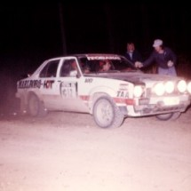 1976 SCR Colin Bond, George Shepheard - Marlboro-HDT Torana L34