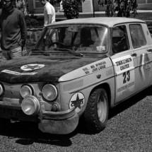 Mal McPherson-John Large Renault R8